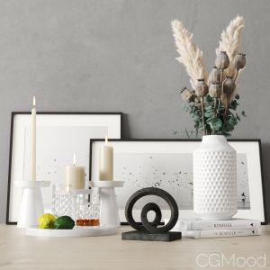 Decorative Set With Dried Poppy Pods