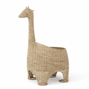 Wicker basket giraffe