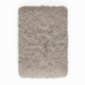 Fluffy Rug With Long Fur